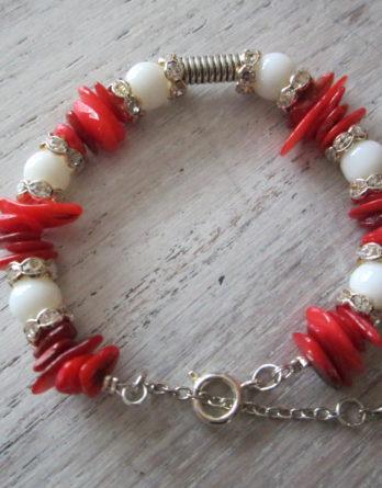 Bracelet de corail vertus et élégance