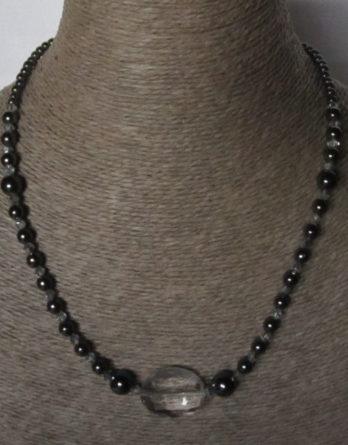 Collier de perles d'Hématite